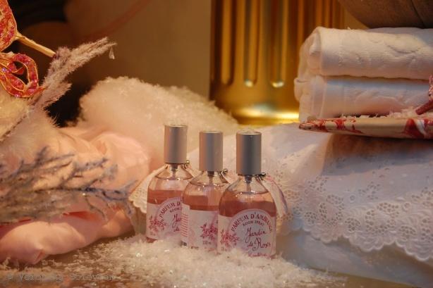 http://www.suomi.ru/fotoreports/vitriny/parfum.jpg